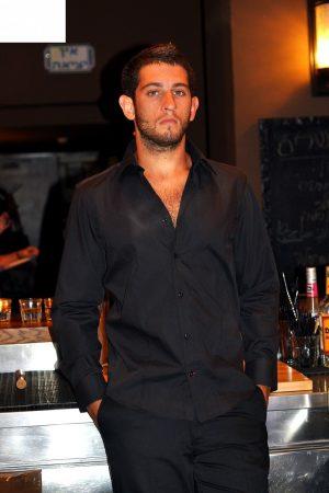 חולצת SLIM FIT מכופתרת לגבר שרוול ארוך צבע שחור